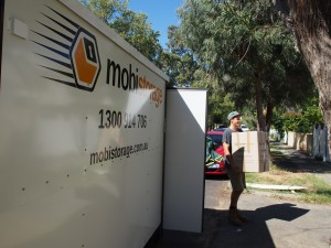 Use mobistorage mobile containers for easy removals in Perth.
